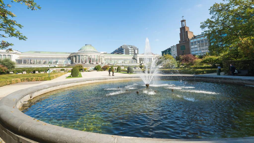 Urban Court - Le Botanique fontein uitzicht
